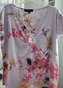 Ladies plus B.U.E.U. 1x floral top